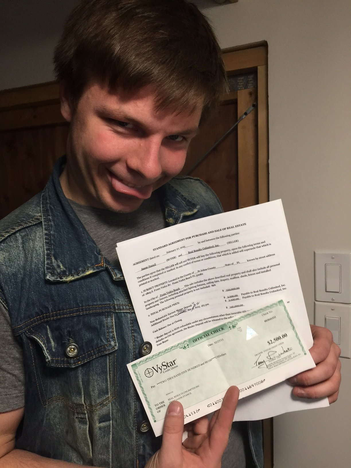 So Yeah, this is a photo of Derek when he signed the contract with his buyer.